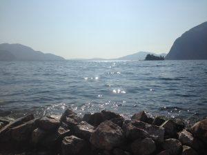 Beach picnic - the view from Monte Isola...Un picnic sulla spiaggia - la vista da Monte Isola...