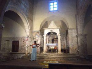 Recital in the basilica of Pitigliano, built in 1107! Il recital nella basilica di Pitigliano, costruito nel anno 1107!