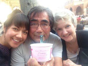 Cremonese gelato with my parents =) Gelato cremonese con i miei =)
